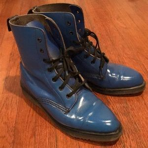RARE blue pointed Doc Martens size 6 / 6.5